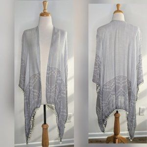 Dry Goods   Gray Shawl / Cover Up   Size Small